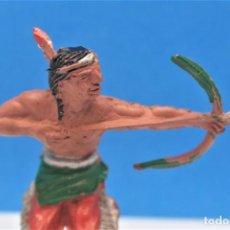 Figuras de Goma y PVC: ANTIGUA FIGURA DEL OESTE EN GOMA. INDIO CON ARCO. LAFREDO. AÑOS 50. Lote 221955966