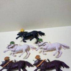 Figuras de Goma y PVC: LOTE DE 5 CABALLOS BRITAINS SIN PEANA. Lote 222029377