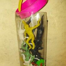 Figuras de Goma y PVC: COMANSI OESTE - BOTE CON FIGURAS DE VAQUEROS Y INDIOS. Lote 222122933