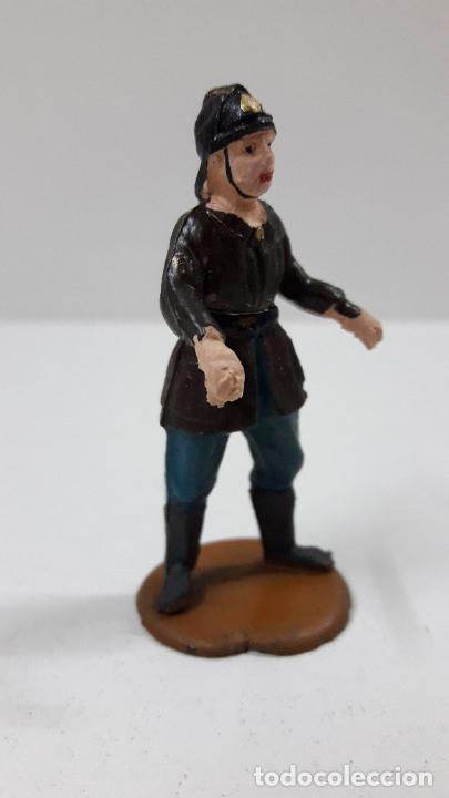 Figuras de Goma y PVC: BOMBERO . REALIZADO POR GAMA - CUERPO DESMONTABLE . ORIGINAL AÑOS 50 . EN GOMA - Foto 4 - 222159746