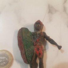 Figuras de Goma y PVC: ARCLA EN GOMA NEGRO AFRICA SALVAJE. Lote 222164177