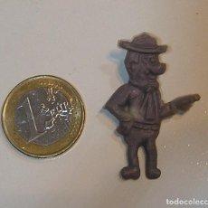 Figurines en Caoutchouc et PVC: PIN DE PLASTICO PROMOCION REGALO DE PIPAS CHURRUCA - AÑOS 60 DUNKIN. Lote 222182565