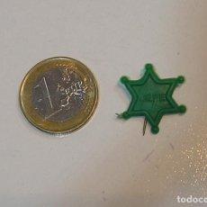 Figuras de Goma y PVC: PIN DE PLASTICO PROMOCION REGALO DE PIPAS CHURRUCA - AÑOS 60 DUNKIN. Lote 222184201
