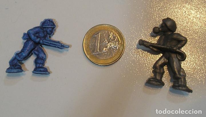 Figuras de Goma y PVC: PIN DE PLASTICO TIPO DUNKIN PROMOCION REGALO DE PIPAS CHURRUCA - AÑOS 60 DUNKIN - Foto 2 - 222184751