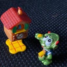 Figuras Kinder: ANTIGUA FIGURA KINDER ALIENS EXTRATERRESTRE RELOJ CUCO FERRERO 1998. Lote 222226645