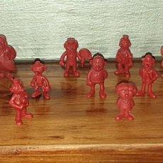 Figuras de Goma y PVC: 13 FIGURAS DUNKIN MORTADELO COLOR GRANATE. Lote 222229431
