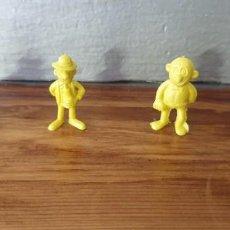 Figuras de Goma y PVC: 4 FIGURAS DUNKIN BRUGUERA MORTADELO COLOR AMARILLO. Lote 222230075