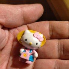 Figuras de Goma y PVC: FIGURAS DE PVC MUÑECA HELLO KITTY MUÑECO PLASTICO DURO. Lote 222262015