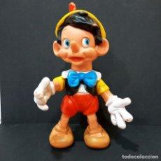 Figuras de Goma y PVC: MUÑECO PINOCHO DE GOMA ARTICULADO - FAMOSA WALT DISNEY, AÑOS 70. 38 CM ALTURA BUEN ESTADO. Lote 222307176