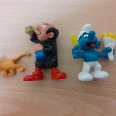 Figuras de Goma y PVC: LOTE DE 3 FIGURAS: PITUFO COME PATATAS, GARGAMEL Y SU GATO.. Lote 222491165