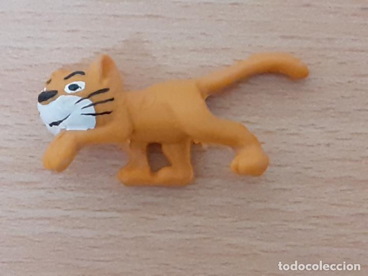 Figuras de Goma y PVC: Lote de 3 figuras: Pitufo come patatas, Gargamel y su gato. - Foto 5 - 222491165