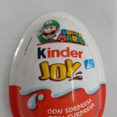 Figuras Kinder: ENVASE PLASTICO DE KINDER JOY - SUPER MARIO BROS/NINTENDO - 2020 - LUIGI. Lote 222602790