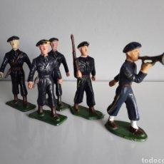 Figuras de Goma y PVC: SOLDADOS FRANCESES, CAZADORES DE MONTAÑA EN DESFILE, STARLUX FRANCE AÑOS 70, 1:32 APROX. BRITAINS. Lote 222922016