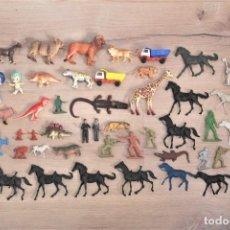 Figuras de Goma y PVC: LOTE DE FIGURAS EN PLÁSTICO Y GOMA. ANIMALES, CABALLOS, SOLDADOS, ETC. DIFERENTES ÉPOCAS.. Lote 222979087