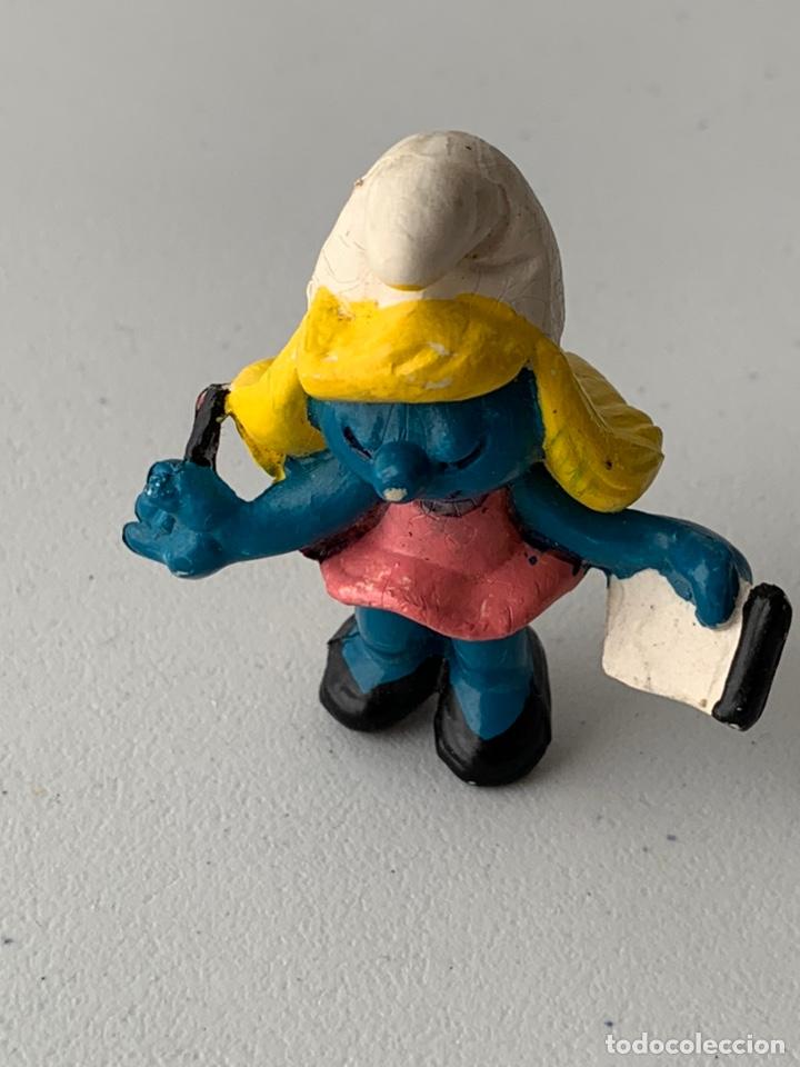 Figuras de Goma y PVC: FIGURA PVC LA PITUFINA CON LIBRETA PITUFO - BOOTLEG SIN MARCA MUÑECO DURO - Foto 4 - 222996876