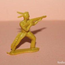 Figuras de Goma y PVC: FIGURA DEL OESTE. INDIO, TIPO MONTAPLEX O SIMILAR. ALTURA APROX. 5 CENTIMETROS. AÑOS 60.. Lote 223403473