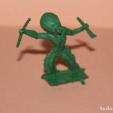 Figuras de Goma y PVC: FIGURA DEL OESTE. INDIO, TIPO MONTAPLEX O SIMILAR. ALTURA APROX. 5 CENTIMETROS. AÑOS 60.. Lote 223403715