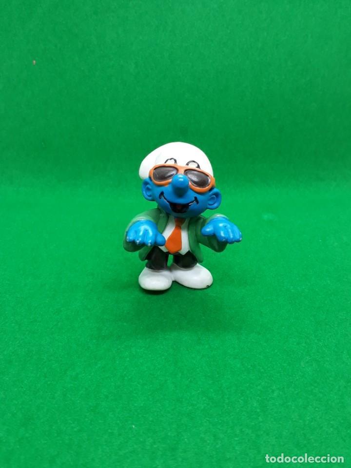 Figuras de Goma y PVC: Figura Pitufo Gafas Oscuras Y Corbata - Peyo Schleich - 5 CM alto - Año 1997 - PVC - Foto 2 - 223591941