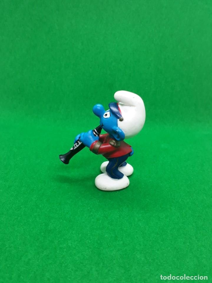 Figuras de Goma y PVC: Figura Pituco Tocando el Clarinete, Banda - Peyo Schleich - 5.5 CM alto - Año 2001 - PVC - Foto 4 - 224046240