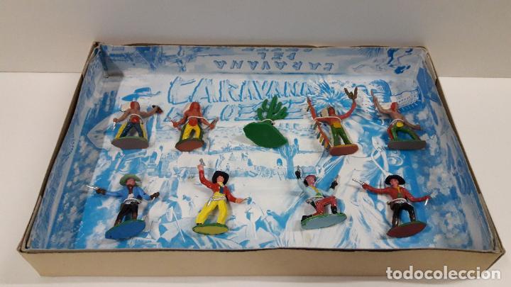 Figuras de Goma y PVC: CAJA DE INDIOS Y VAQUEROS - CARAVANA DEL OESTE . REALIZADA POR M. SOTORRES . ORIGINAL AÑOS 60 - Foto 3 - 224452793