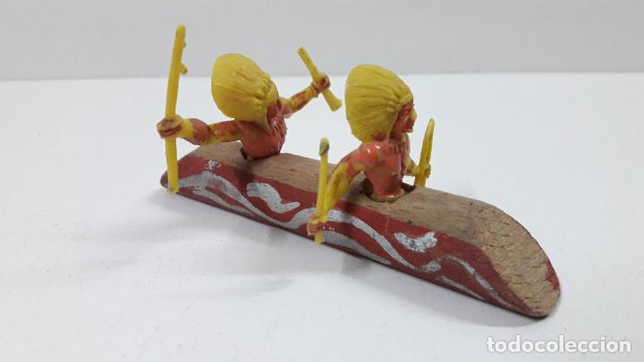 CANOA INDIA . RALIZADO POR ALCA - CAPELL / SOTORRES . ORIGINAL AÑOS 50 / 60 EN MADERA Y PLASTICO (Juguetes - Figuras de Goma y Pvc - Capell)