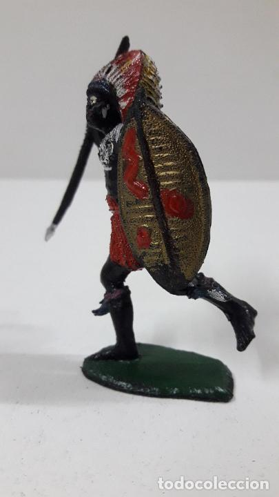 Figuras de Goma y PVC: GUERRERO AFRICANO NEGRO . REALIZADO POR TEIXIDO . SERIE SAFARI . ORIGINAL AÑOS 60 - Foto 3 - 224772368