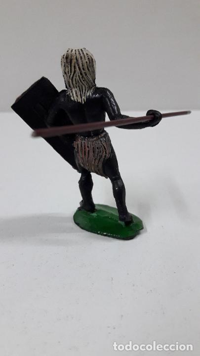 Figuras de Goma y PVC: GUERRERO AFRICANO NEGRO . REALIZADO POR ARCLA . ORIGINAL AÑOS 50 EN GOMA - Foto 3 - 224773552