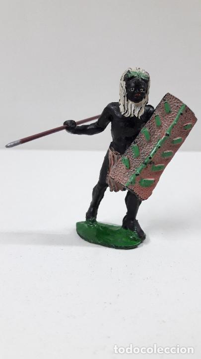 GUERRERO AFRICANO NEGRO . REALIZADO POR ARCLA . ORIGINAL AÑOS 50 EN GOMA (Juguetes - Figuras de Goma y Pvc - Arcla)