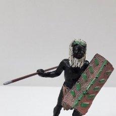 Figuras de Goma y PVC: GUERRERO AFRICANO NEGRO . REALIZADO POR ARCLA . ORIGINAL AÑOS 50 EN GOMA. Lote 224773552