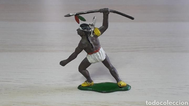 Figuras de Goma y PVC: Guerrero indio con lanza, fabricado en goma, Agustín Teixidó Barcelona, original años 50-60. - Foto 2 - 224800992