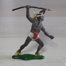 Figuras de Goma y PVC: GUERRERO INDIO CON LANZA, FABRICADO EN GOMA, AGUSTÍN TEIXIDÓ BARCELONA, ORIGINAL AÑOS 50-60.. Lote 224800992