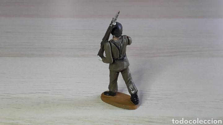 Figuras de Goma y PVC: Soldado desfile Ejército Español, fabricado en goma, Agustín Teixidó Barcelona, original años 50-60. - Foto 2 - 224802460