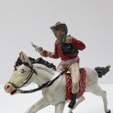 Figuras de Goma y PVC: VAQUERO BANDIDO - ATRACADOR A CABALLO . REALIZADO POR PECH . ORIGINAL AÑOS 50 EN GOMA. Lote 225701685
