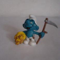 Figuras de Goma y PVC: FIGURA PITUFO SEGADOR PEYO 1981. Lote 225713095
