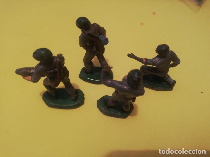 Figuras de Goma y PVC: 4 servidores cañon pech marines americanos goma años 50 - Foto 3 - 225956535