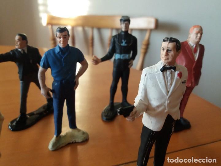 Figuras de Goma y PVC: Lote de 6. Figuras películas de James Bond. Sean Connery. Goldfinger. Marca Gilbert. Años 70. - Foto 2 - 226057825