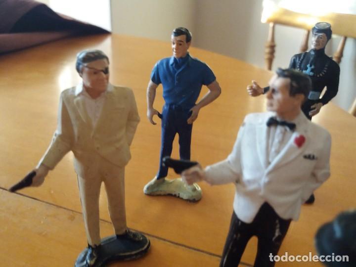 Figuras de Goma y PVC: Lote de 6. Figuras películas de James Bond. Sean Connery. Goldfinger. Marca Gilbert. Años 70. - Foto 4 - 226057825