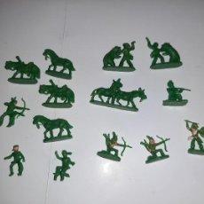 Figuras de Goma y PVC: MONTAPLEX O SIMILAR, LOTE 14 FIGURAS INDIOS Y VAQUEROS CON ANIMALES. Lote 226250880