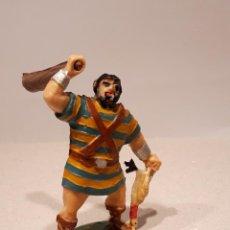 Figuras de Goma y PVC: ESTEREOPLAST GOLIAT CON POLLO Y PORRA. Lote 222962750