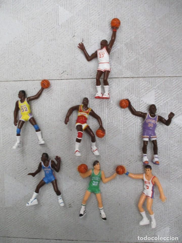 NBA - 7 FIGURAS - BARKLEY - JORDAN - JOHNSON -PETROVIC - THOMAS - WILKINS - MCHALE - 1987 -YOLANDA (Juguetes - Figuras de Goma y Pvc - Otras)