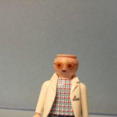 Figuras de Goma y PVC: MUÑECO PLAYMOBIL. MEDIDAS 7*3 CM.. Lote 227190035