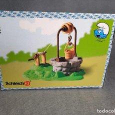 Figuras de Goma y PVC: POZO DE LOS PITUFOS - CON CAJA - PEYO - SCHLEICH. Lote 227589630