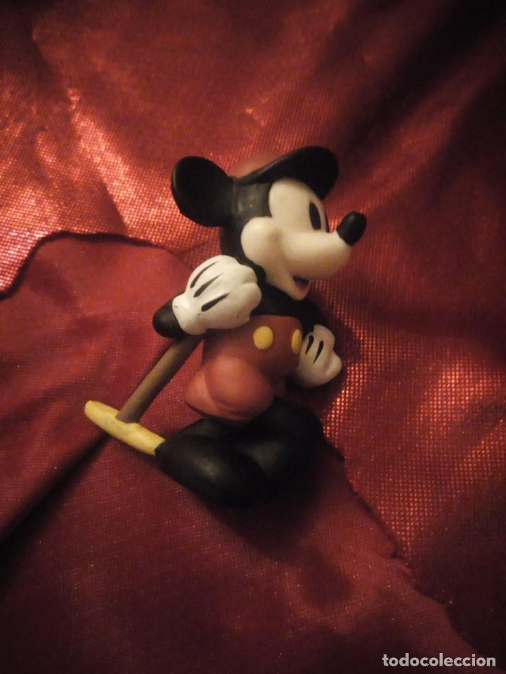 Figuras de Goma y PVC: Figura mickey mouse jugador de cricket disney china. - Foto 4 - 227613870