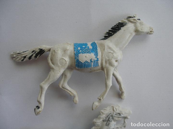 Figuras de Goma y PVC: Dos caballos plástico años 60 - Foto 2 - 208991591