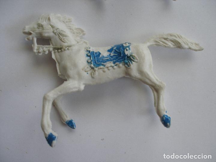 Figuras de Goma y PVC: Dos caballos plástico años 60 - Foto 4 - 208991591