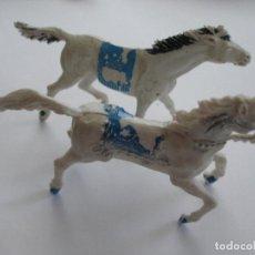 Figuras de Goma y PVC: DOS CABALLOS PLÁSTICO AÑOS 60. Lote 208991591