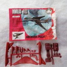 Figuras de Goma y PVC: MONTAPLEX- SOBRE ABIERTO AVION DOGLAS B66- SERIE 600-NUEMRO 610. Lote 227679555