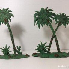 Figurines en Caoutchouc et PVC: DOS GRUPOS DE PALMERAS EN PLASTICO DE LAURENCE DE ARABIA DE REAMSA. Lote 227779095