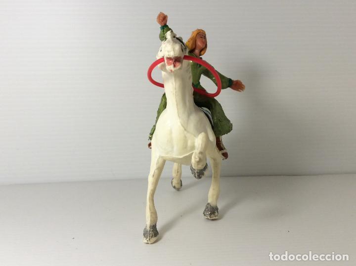 Figuras de Goma y PVC: FIGURA DE SIGRID A CABALLO DEL CAPITAN TRUENO DE ESTEREOPLAST - Foto 2 - 227822490