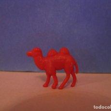 Figuras de Goma y PVC: FIGURA DUNKIN FIERAS DEL ZOO. CAMELLO. ROJA.. Lote 228198475